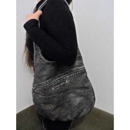 Жіноча сумка від легендарного бренду Volcom