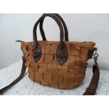 Супер-оригінальна шкіряна сумка від елітного бренду Monserat De Lucca
