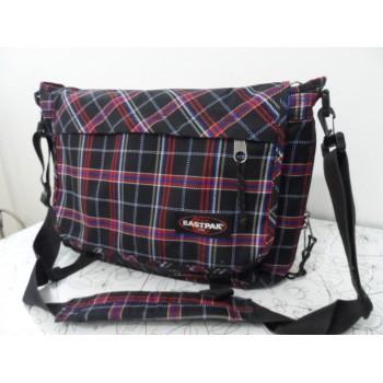 Культова сумка Delegate від Eastpak (збільшується обєм)