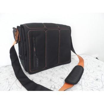 НОВА ексклюзивна сумка месенджер Khodi