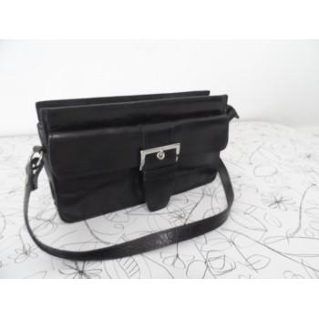 Шкіряна жіноча сумка-клач відомого італійського бренду JANET & JANET