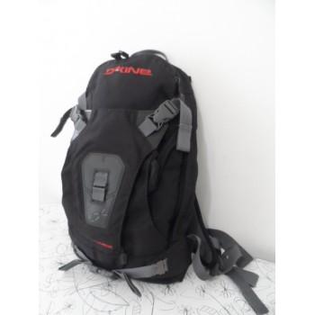 Спеціальний рюкзак від Dakine для зимових видів спорту та велосипеда