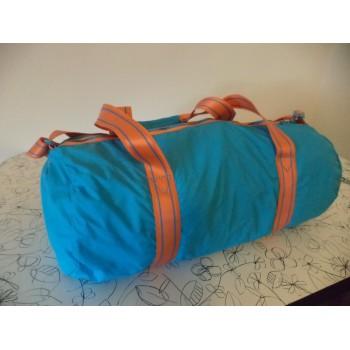Спортивна сумка NIKE /ОРИГІНАЛ / складається в маленьку