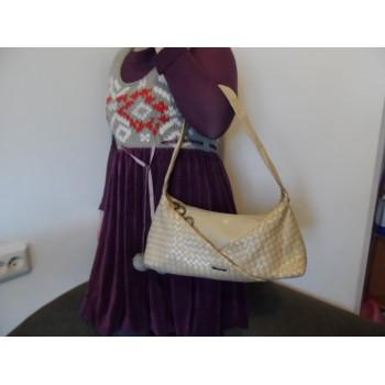 Шкіряна жіноча сумка від Claudio Ferrici